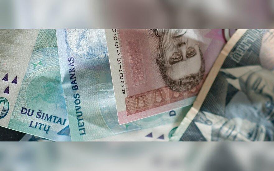 Bankų sukčiai iš moterų apgaule išviliojo pinigus