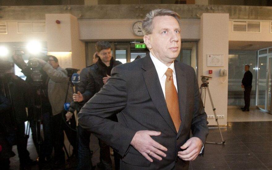 D.Valys ir S.Skvernelis Seimo komitete aiškinosi dėl D.Kedžio ir kitų bylų