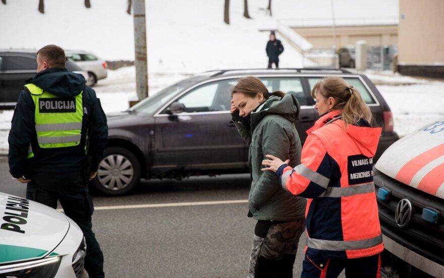 Vilniuje automobilio partrenkta jauna moteris atsigavo ir puolė ieškoti raktų