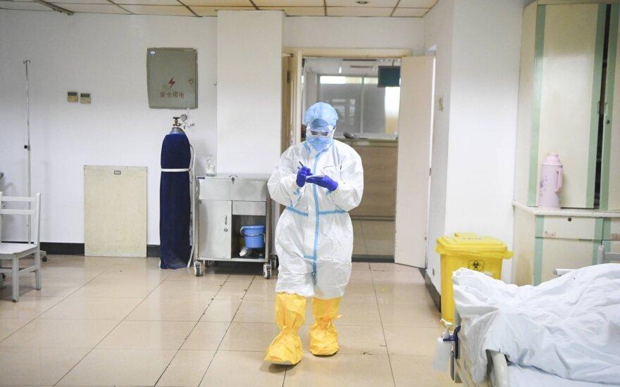 Prancūzija pranešė apie penkis koronavirusu užsikrėtusius britus