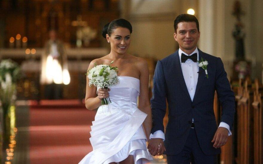 Simona ir Jonas Nainiai švenčia 5-ąsias vestuvių metines: poros namuose vis dar kvepia romantika