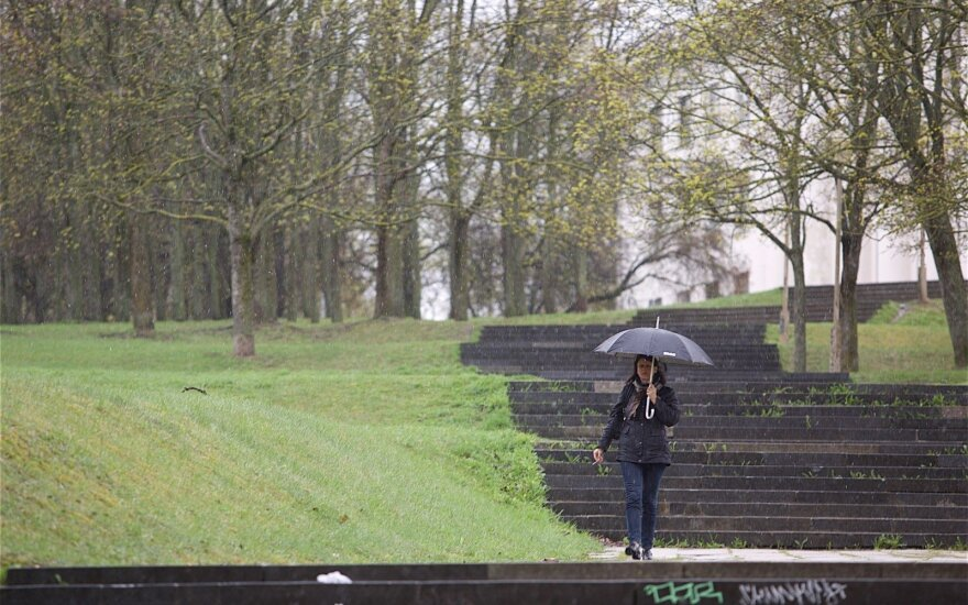 Wind and rain to continue as meteorologists forecast colder than usual May in Lithuania