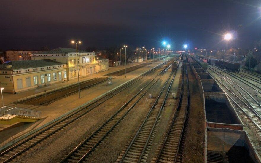 Nusižudė geležinkelio stotyje