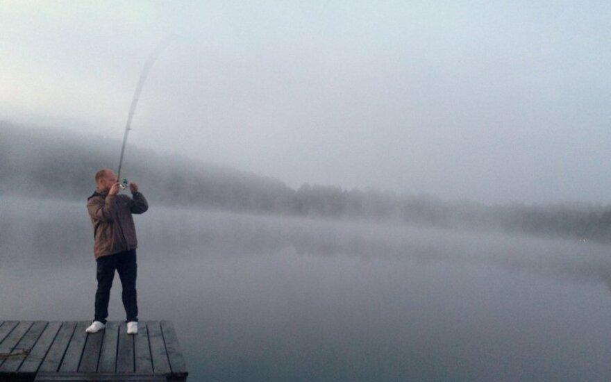 Kai kur įmerkti savo meškerės jums gali neleisti privačių ežerų savininkai