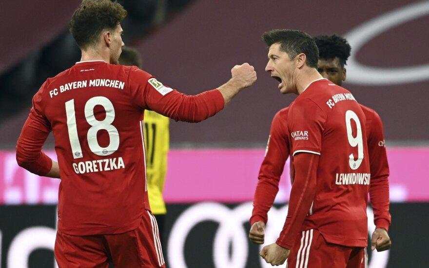 """Vokietijos klasika: žaibišką Haalando dublį nubraukė Lewandowskio """"hat-trick'as"""""""