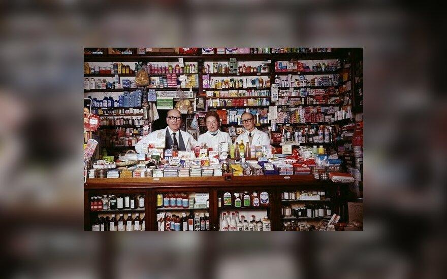 """""""Parduotuvėlė užsidaro. Vaistininkas"""", Johno Londei nuotr."""