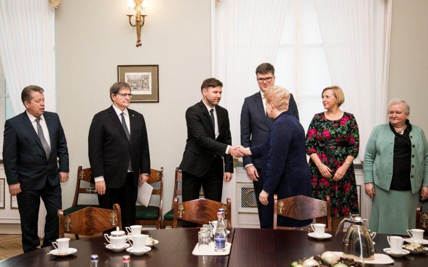 Mokytojams netiko ir Grybauskaitės pataisos: tai nieko nesprendžia