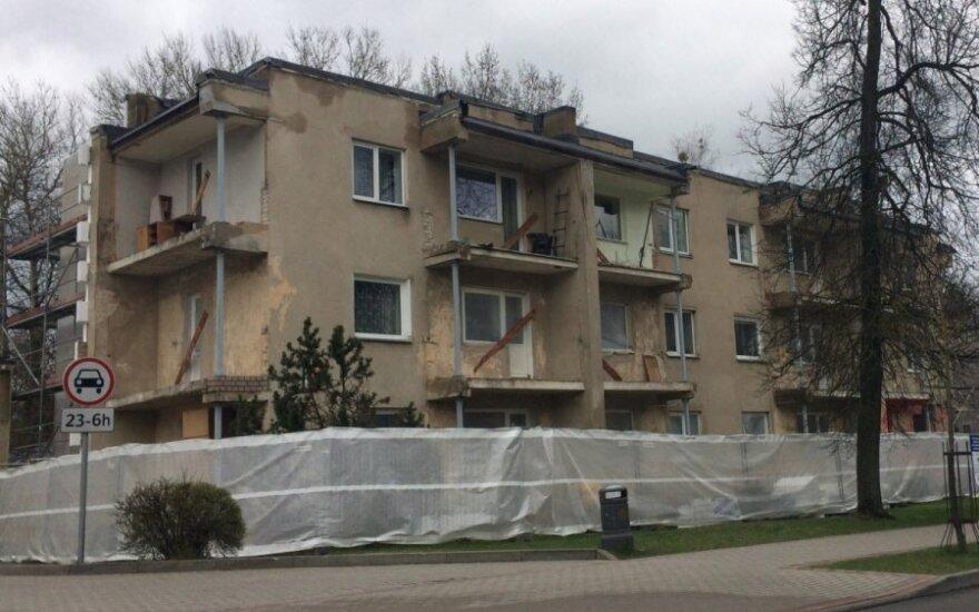 Specialistai neigia mitą, kad padarius ventiliuojamą fasadą sutrūkinėja namo sienos