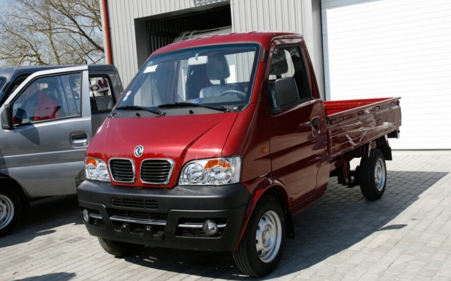 Dongfeng Motors (DFM) automobiliai