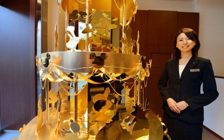 Japonijoje už 4 mln. JAV dolerių parduodama auksinė Kalėdų eglutė