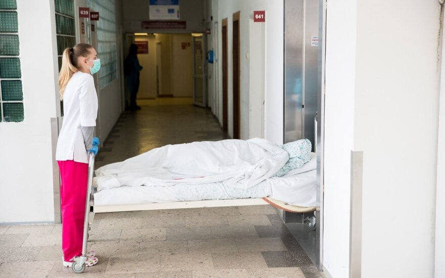 Nelaukia, kol Seimas imsis veiksmų dėl draudžiamų vaistų: jau geriau taps nusikaltėliais, nei kentės tokias kančias