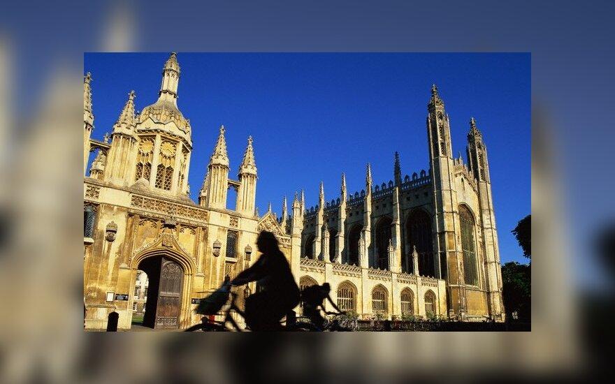 Studentai iš Panevėžio šturmuoja Kembridžą