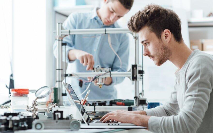 10 mitų apie inžinerių darbą: pamirškite, kad inžinieriai – nuobodūs žmonės, visą dieną lituojantys laidus