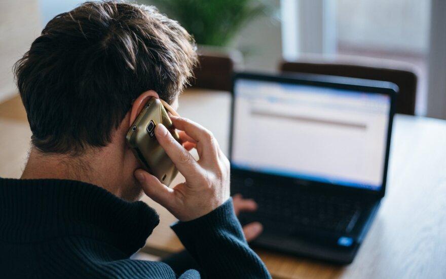 Artėja didžiausias darbuotojų atleidimų etapas: kai kurie nė neįtaria, kad kalba su dirbtiniu intelektu