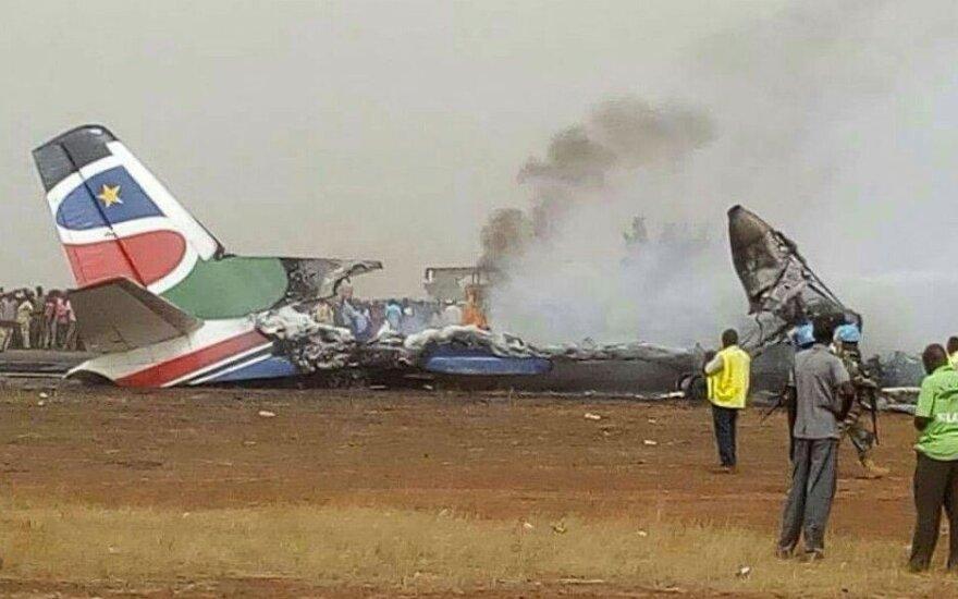 Pietų Sudane nukrito keleivinis lėktuvas