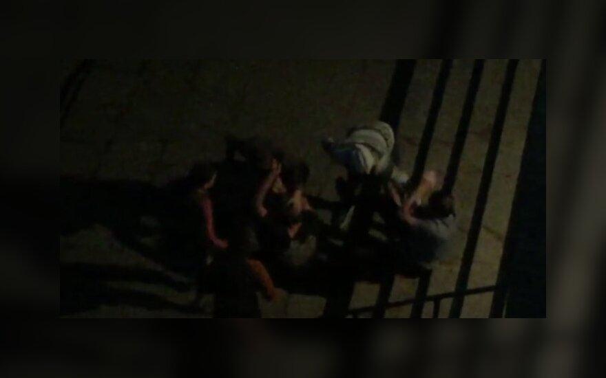 Vilniečio filmuotas vaizdas atskleidžia paauglių žiaurumą