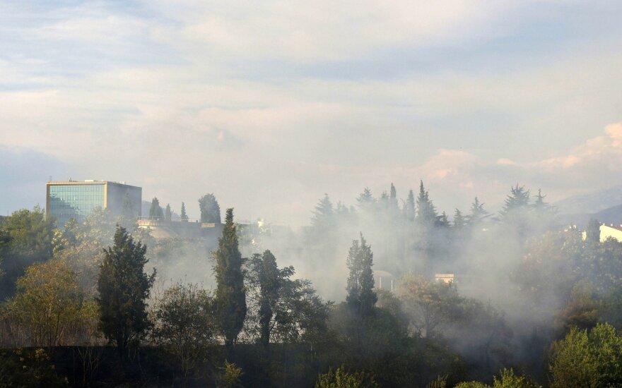 Juodkalnijoje dėl gaisrų evakuoti mažiausiai 100 turistų