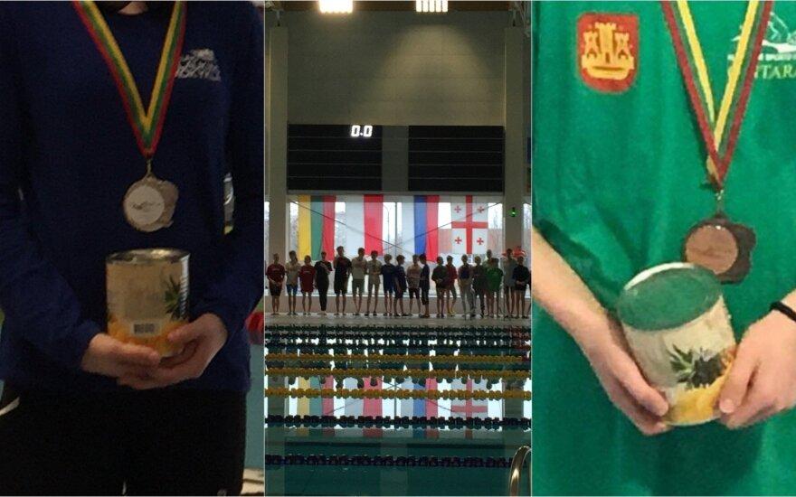 Varžybų prizininkai apdovanoti ananasų skardinėmis (Varžybų organizatorių, Facebook nuotr.)