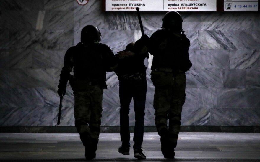 """""""Associated Press"""": Lietuva atlieka net neproporcingai didelį vaidmenį dėl Baltarusijos"""