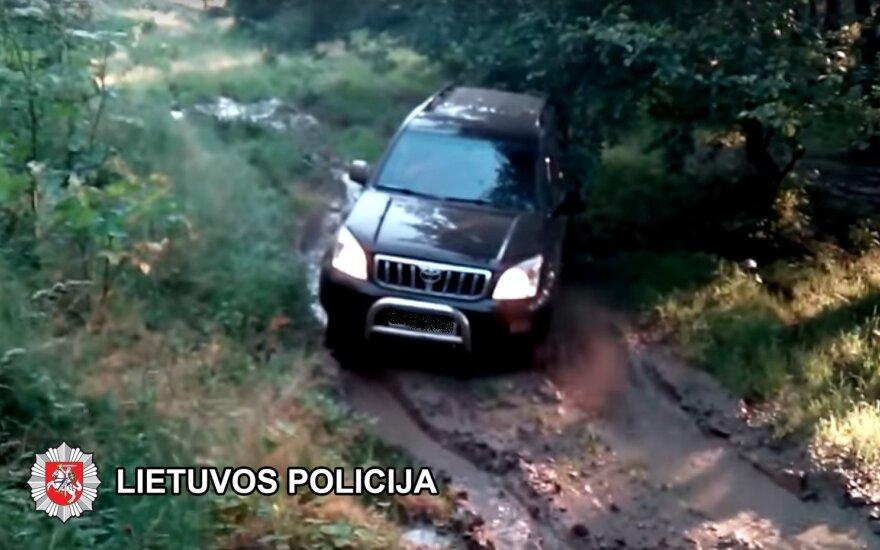 Areštinėje atsidūrė du kauniečiai, Vilniuje, įtariama, vogę automobilius