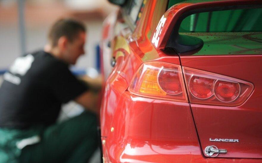 Žinia vairuotojams: autoservisuose – apvalesnės kainos