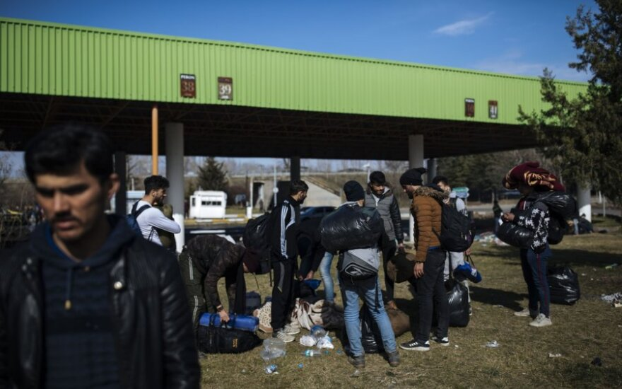Prie Turkijos ir Graikijos sienos – nauji migrantų ir policijos susirėmimai