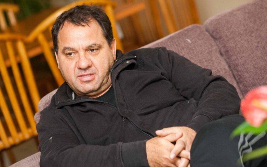 Lietuvius verbuojantis kiprietis: įvedus eurą kainos augo, atlyginimai - ne