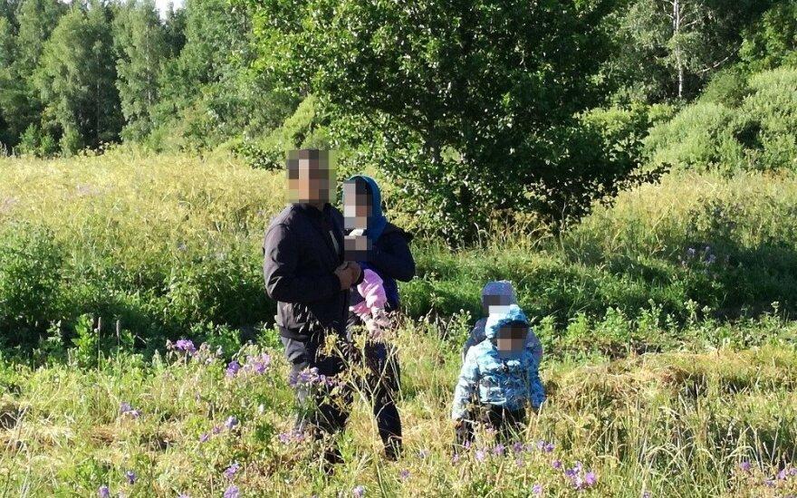 Adutiškio pasieniečiai neleido afganistaniečių šeimai įžengti į Lietuvą