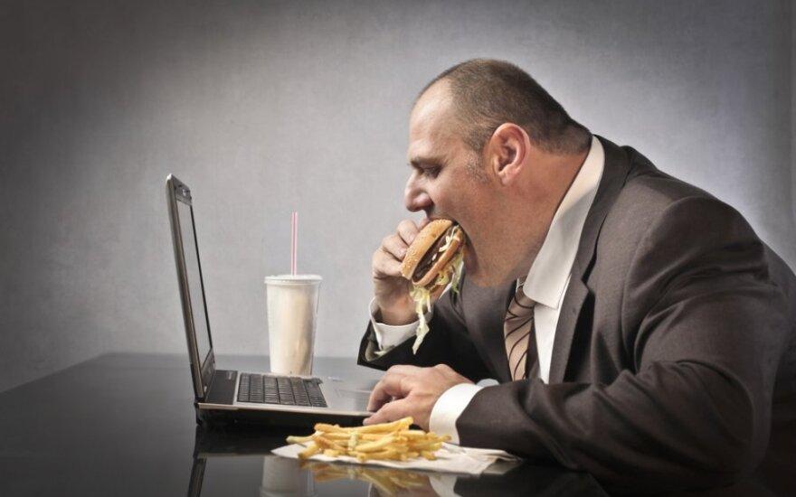 Vyras nesveikai valgo