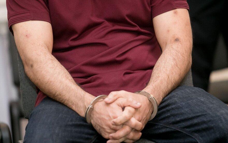 Teisėjas paaiškino, kodėl teismai neskuba įkalinti nusikaltėlių