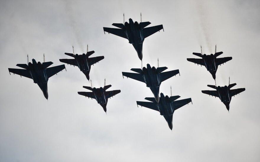 Ukrainoje nukrito lėktuvas Su-27: žuvo abu pilotai
