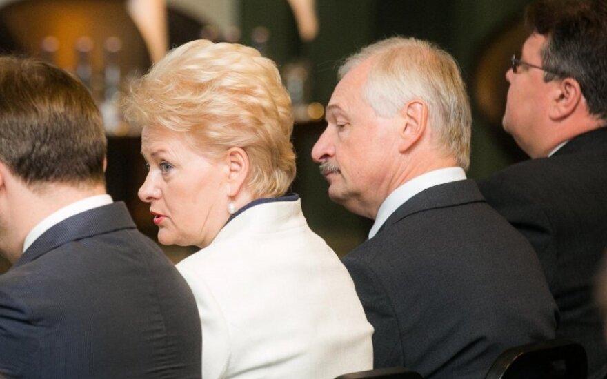 D. Grybauskaitės valia vykdoma: prasidėjo masinis atsistatydinimas