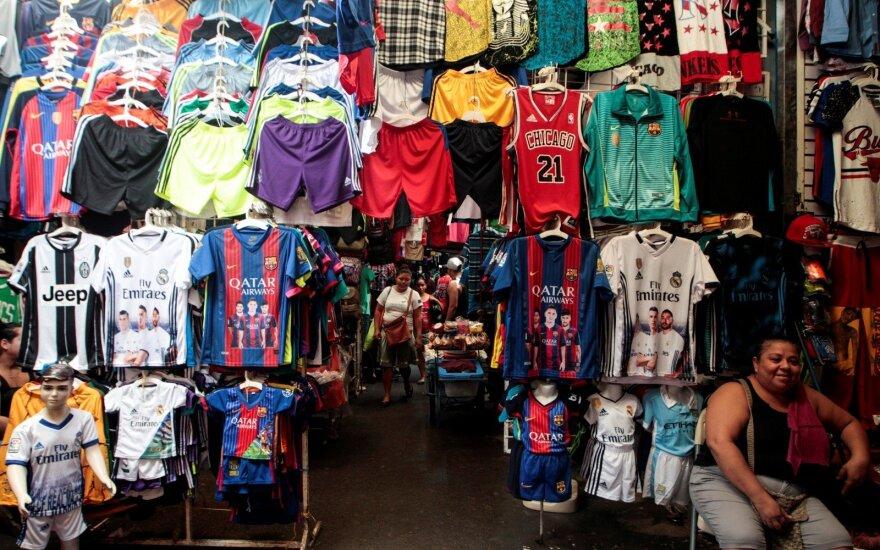 """""""Barcelona"""" marškinėliai su užrašu """"Qatar Airways"""""""