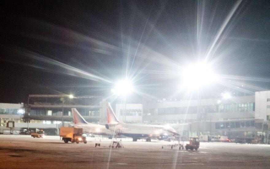 Naujai statomas ir 4,3 mlrd. eurų kainuosiantis oro uostas negali išjungti šviesos