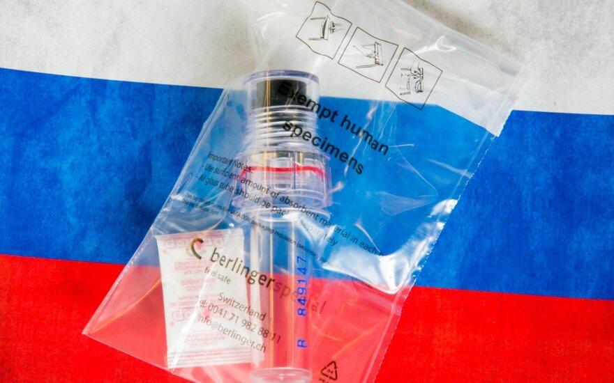 Laboratorinius duomenis slepiantis Kremlius: viską perduosime, nesutariame tik dėl laikmenų