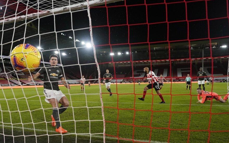 """Neįtikėtina """"Man United"""" serija Anglijoje tęsiasi: laimėti nesutrukdė net vartininko kliurka"""