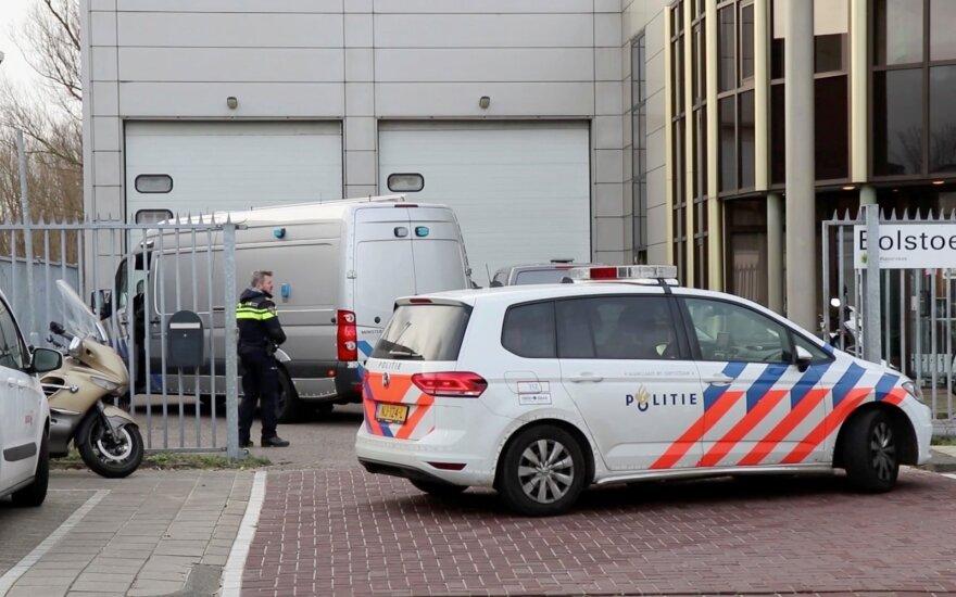 Nyderlandų žiniasklaida: siuntas su sprogmenimis išsiuntė turto prievartautojas