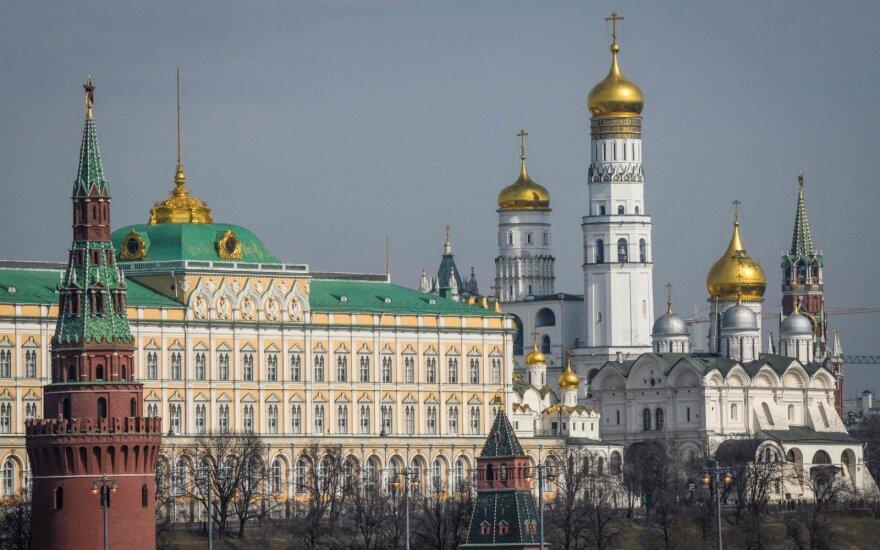 Skripalių apnuodijimo dieną – žinutės į Maskvą