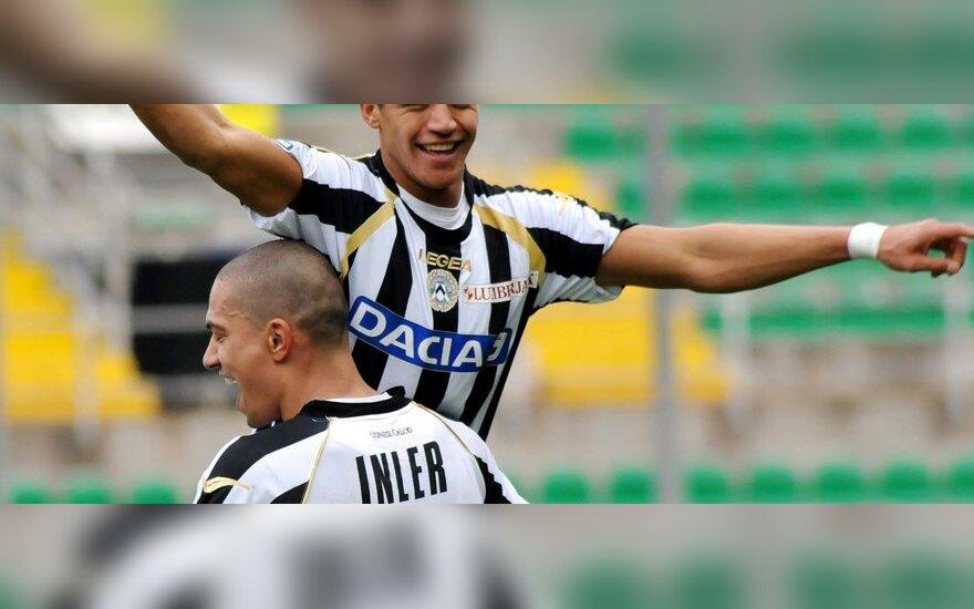 "Alexis Sanchezas ir Gokhanas Inleris (""Udinese"")"
