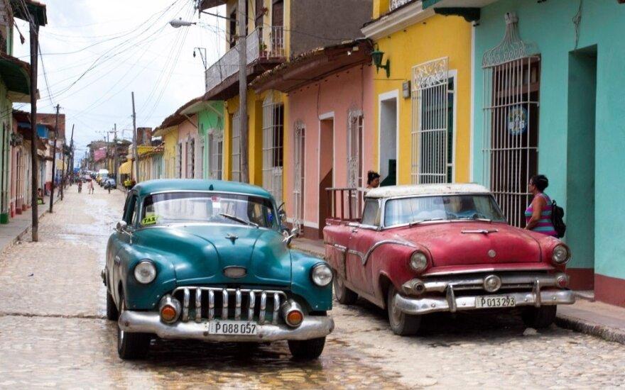 Pašėlęs Kubos gyvenimas: lietuvę stebino vergovės pėdsakai ir siuvinėjantys vyrai
