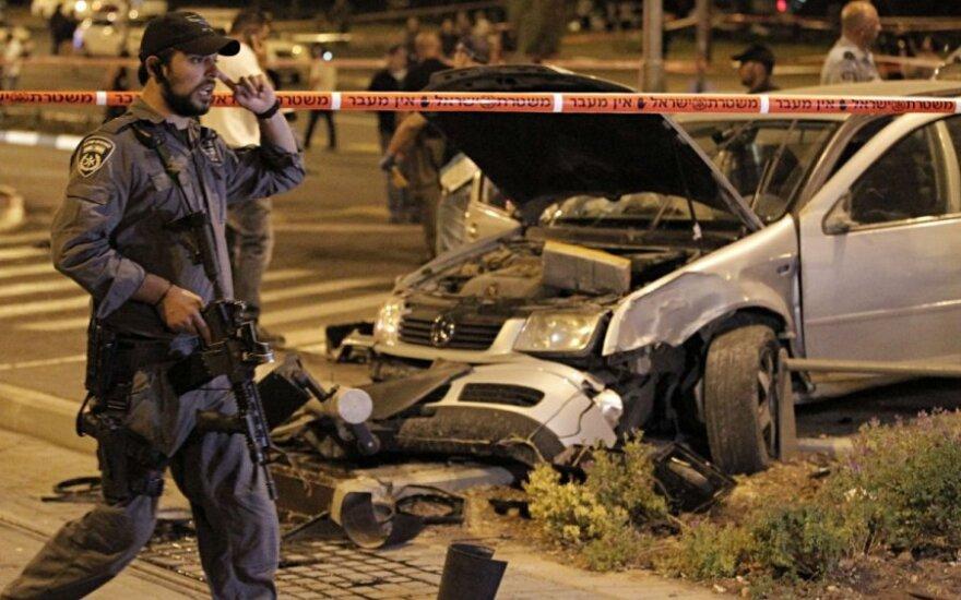 Vairuotojas Jeruzalėje automobiliu rėžėsi į pėsčiuosius