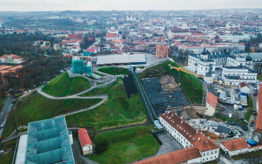Griūvantį Gedimino kalną rekonstravo nelegalūs darbininkai iš Ukrainos ir Baltarusijos