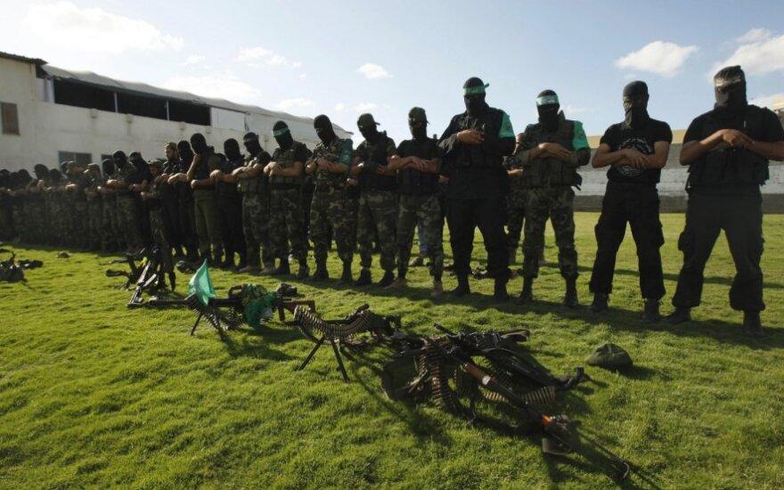 """Izraelis toliau atakavo """"Hamas"""" taikinius Gazos Ruože"""