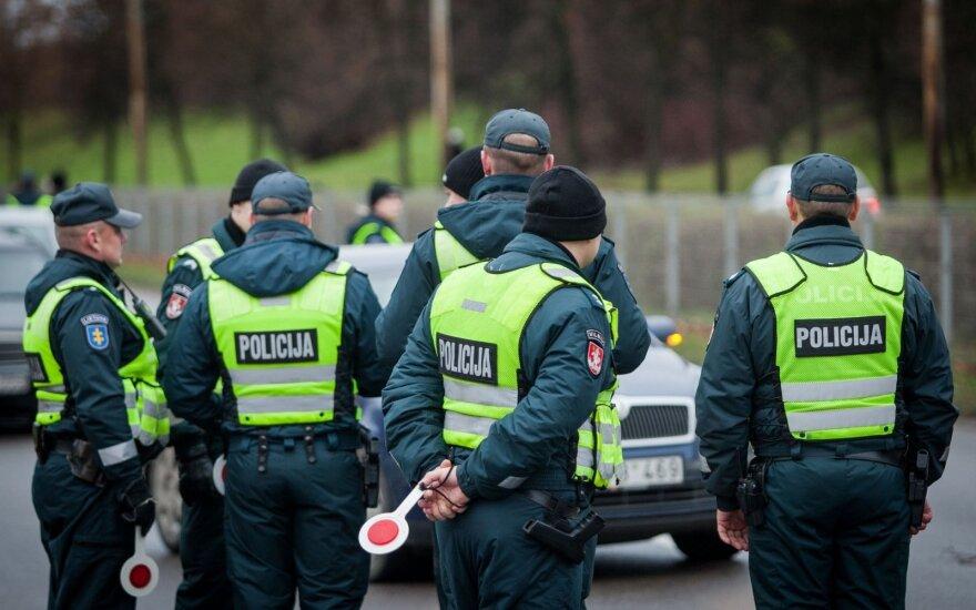 Policija paskelbė, kas vairuotojų laukia gruodį