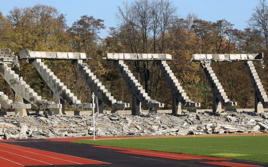 Rekonstruojamas S. Dariaus ir S. Girėno stadionas