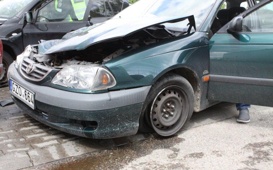 Ištyrė, kada vairuotojams kelyje nesiseka labiausiai