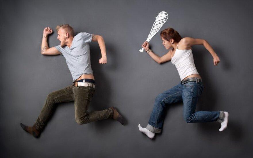 Emocinis smurtas: nuo kandžių juokelių iki grubaus elgesio