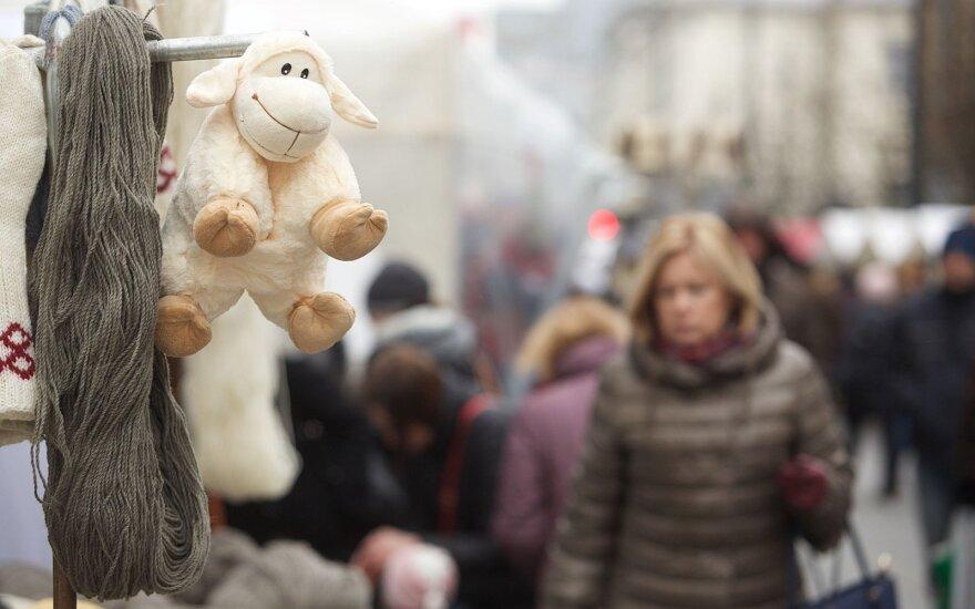 Kaziuko mugėje prekiaujanti moteris: euras žiauriai sugadino reikalus