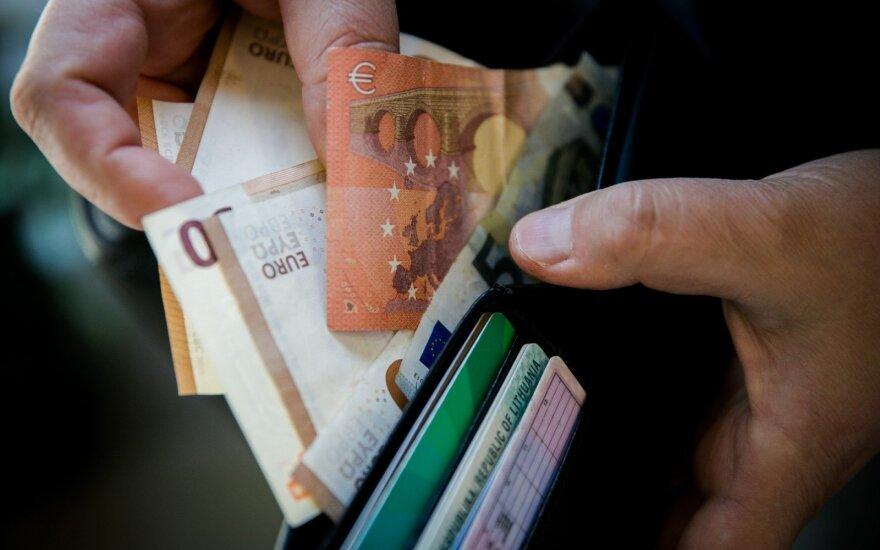 Girtas 70-metis policininkams žadėjo pusantro tūkstančio ir davė 40 eurų