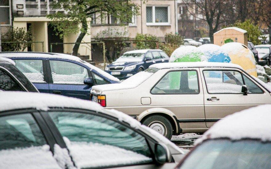 Gimtinėje tėvus lankiusi šeima pasibaisėjo kaimynų poelgiu